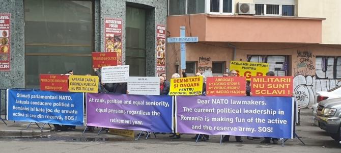 15.05.2019 - COMUNICAT: SNPPC a avut reprezentanți la protestul rezerviștilor militari, pentru un regim echilibrat al pensiilor militare de stat (din fața Reprezentanței Comisiei UE în România)